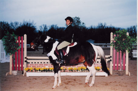 Molly Cordero was 4th in the 2000 October Equitation Classic Finals on Joey